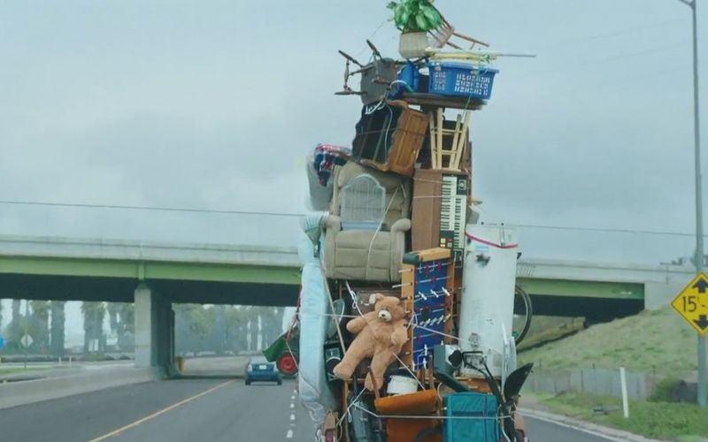 Moving-truck-in-Hyundai-Sonata-ad-1024x640